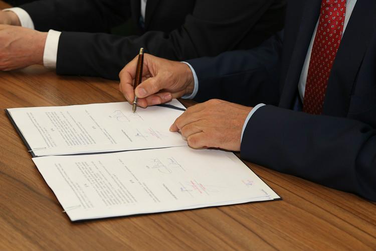 Umowa podpisana!